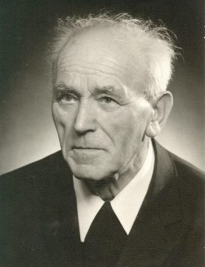 Geistlicher Rat <b>Josef Häfele</b>, geboren 31. Mai 1892 in Schwabmünchen, - haefele